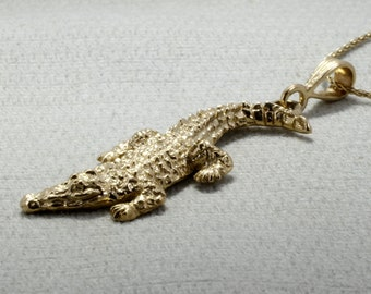 """Large Alligator Necklace in 14kt Yellow Gold on 18"""" chain. Crocodile Necklace, Unique Florida Gator Gift for herGift Mom Gift"""