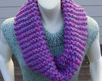 HANDKNIT CHUNKY INFINITY Scarf. Orchid/lavender Hand knit Acrylic/Wool Blend lnfinity scarf. Great Gift.