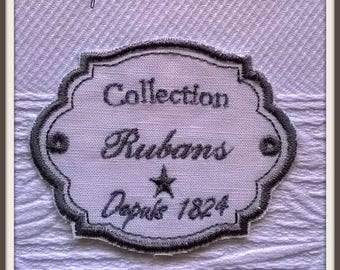 """Embroidered label """"Ribbons"""""""