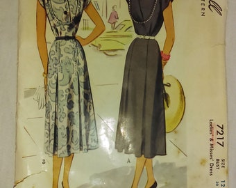 1948 McCall 7217 Sewing Pattern afternoon dress B30