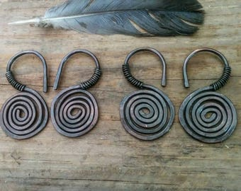 Spiral Raw Copper Ear Weights / ear hangers / unique bridal / gothic jewelry / dangle gauges / hoops for tunnels / 6g / witchy plugs / pagan