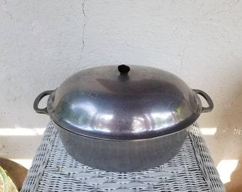 Majestic Cookware Aluminum Pot, Oval Roasting Pot with Lid, Vintage Roaster Pan, Stockpot, Industrial Farmhouse Kitchen