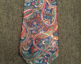 Geoffrey Beene  Vintage Necktie