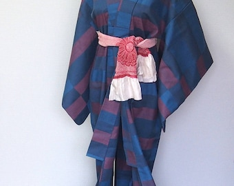 blue  & purple vintage kimono / kimono robe