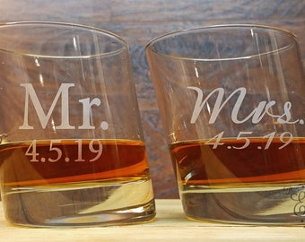 Slanted Round Whiskey Glasses, Whiskey Glasses Personalized, Custom Engraved Rocks Glass, Scotch Glass, Gifts for the Couple, Wedding Gift
