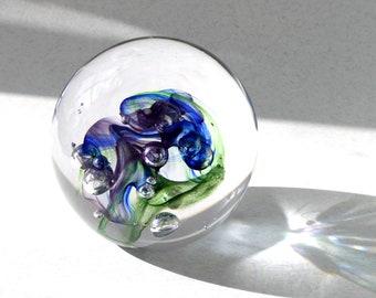 Presse-papier, bleu Cobalt, vert et violet, une pièce unique, les collectionneurs, suédois verre à la main par Marianne Degener en verre