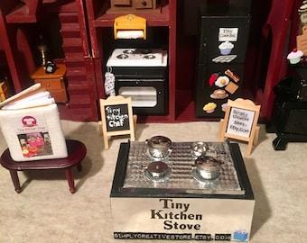 Tiny Kitchen Stove (Dollhouse)