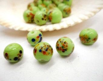 12 vert tacheté de perles de verre - 28-25