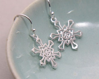 Snowflake Earrings, Sterling Silver Snowflake Earrings, Snow Earrings, Snowflake Dangle Earrings, Gift for Girl, Snow Star Earrings