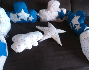 AVAILABLE round bed 6 light gray cloud shaped cushions/nightblue/gray duck star