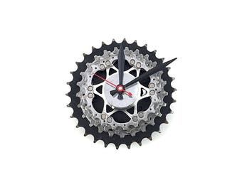 Bike Clock, Gear Clock, Bike gift, Mother's Day, Father's Day, Recycled bike parts, Sprockets, Gears, Metal, Biker, Steampunk, Industrial