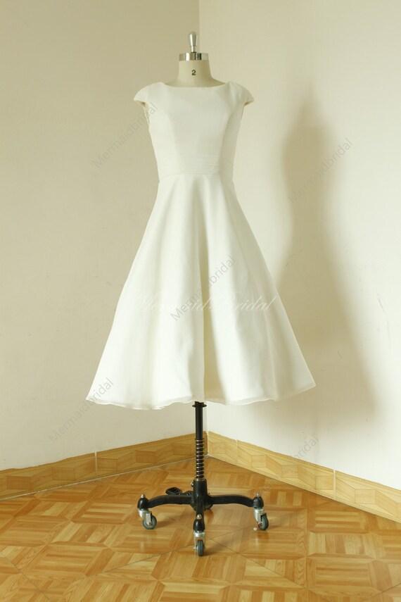 Audrey Hepburn Stil Elfenbein Tee Länge Chiffon Brautkleid