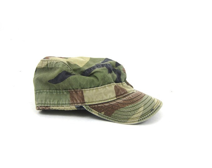 vintage Army Green Camo Hat Ear Flap Hunting cap Men's Camouflage Hat Hipster Unisex Earflap Cap Size Small Medium 7.5