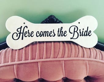 Here comes the bride Dog hanger
