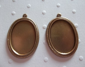 Vintage Inspired 25X18mm Settings - Antiqued Brass - Rope Edge Bezels - For Cameos or Cabochons -  Qty 2