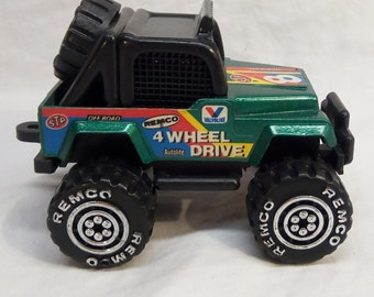 Vintage 1987 Remco Green Jeep #8