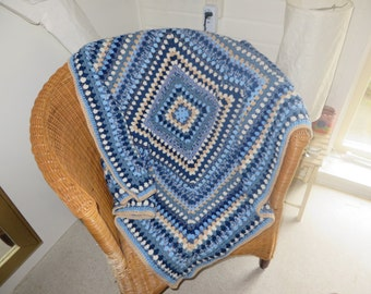 Sale!! -Crochet granny square throw/Crochet granny square blanket