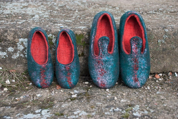 and felted Christmas woolen slippers felted red Felted green valenki slippers wool red slippers embroidered clogs beads with wool 5A5qa