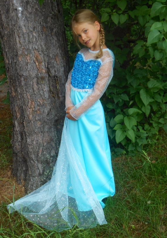 sc 1 st  Etsy & Elsa Dress With Cape for Girls Based Upon the Movie Frozen