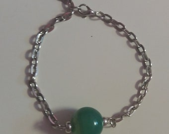 Silver bracelet with jade. Bracelet.