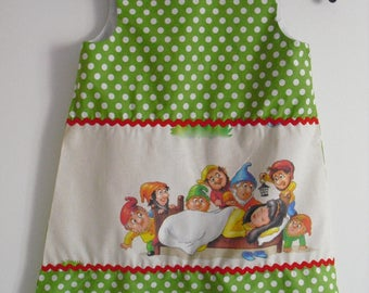 Little pinafore dress, 3/4 years!