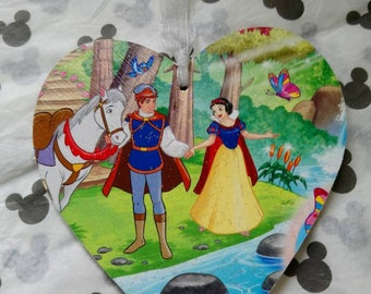 Disney inspired Snow White and the Seven Dwarves heart plaque, choose from multiple images