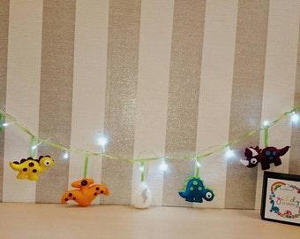 Felt Dinosaur Kids Lights, fairylights, dinosaur room, boys room decor, girls room decor, boys birthday, dinosaur decor, dino garland