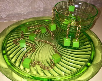 Vintage Bakelite Green Cubes Necklace and Earrings Set Vintage Bronze Chain