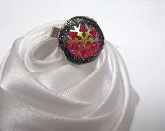 Red snowflake cabochon ring
