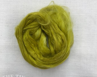 Hand Dyed Cultivated Silk / Bombyx Silk / Mulberry Silk / Silk Fiber / Spinning / Felting / Chartreuse / 1/8 Oz / Silk Roving / Multi