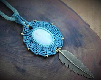Macrame necklace with Rainbow Moonstone