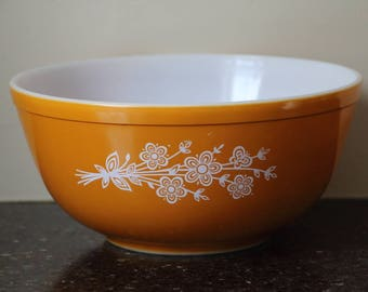 Pyrex Butterfly Gold #403 Mixing Bowl