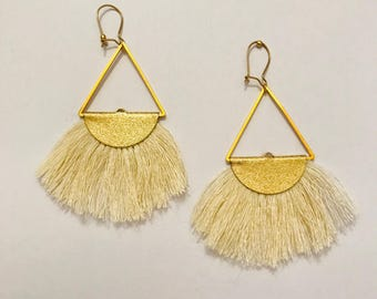 Earrings with beige Pom Pom