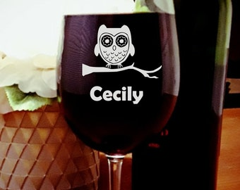 Engraved wine glass OWL,Personalized,Owl-Gift for Women,Wife, Fiancé, Girlfriend, Sister,Sister-In-Law, Mom, Mother-In-Law, Coworker, Friend