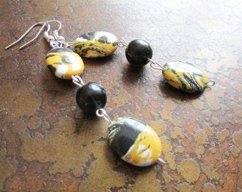 Goldfinch Glass Beaded Dangle earrings