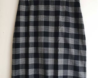 Dark blue and white Checkered Vintage pencil skirt size 40