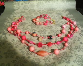 set (necklace and bracelet) stylish and original (Pink)