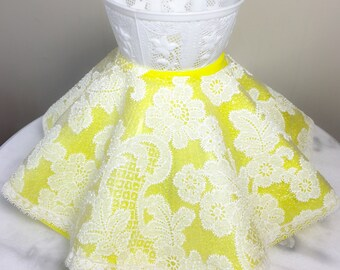 """Vintage 60s Lamp Shade Kitschy Yellow Meringue Plastic with Delicate White Plastic Doiley Cover 7"""" X 11.5"""" Diameter"""