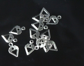 300 pcs 6.5 x 11 mm nickel plated brass triangle tag charms with 1 hole, findings 735NP-32 tmlp