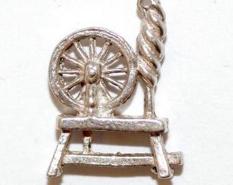 Vintage Sterling Silver Bracelet Charm 3d Spinning Wheel (2g)