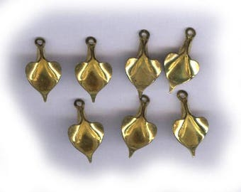 10 vintage brass CALLA LILY shape small CHARMS or dangles dainty small flower findings ten drops in all antique charm
