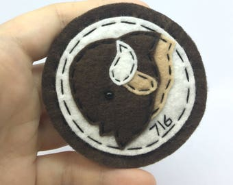 716 Buffalo Head Coin Style Hand Sewn Wool Felt Pin