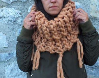 Super Chunky scarf.Giant knit. Big yarn scarf. Cowl. Snood. Chunky scarf. Infinite scarf. Camel scarf.