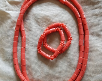 Pink  Twin plastic necklace with matching bracelets