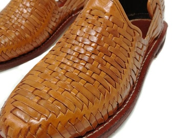Mens Huaraches Sandals Mexican. 100% leather, vintage. Handmade. Huarache Craft closed. Handmade. Men's Shoe