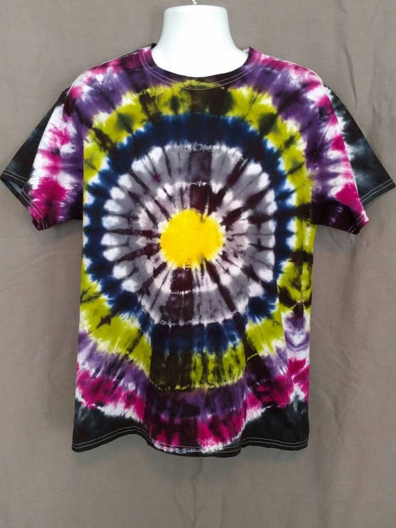 Hand Dyed Tie Dye T-Shirt/Adult T-Shirt/Bullseye Design/ Short Sleeve/Unisex/Eco-Friendly Dying