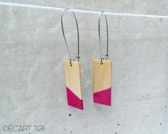 Hand-painted rectangle wood Earrings - Natural wood and purple (red violet)  - Minimalist and geometric jewelry - Acrylic paint