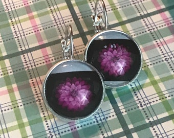Dahlia flower glass cabochon earrings - 16mm