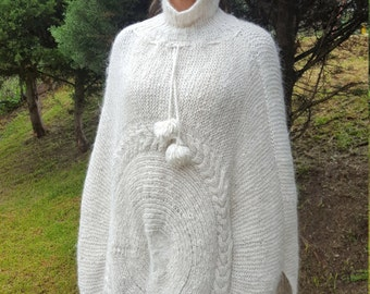 Alpaca Poncho made from 100% Alpaca Wool Turtleneck Creamy White made in Ecuador