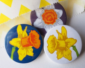 Daffodil Flower badges, Spring flowers, Gift for Her, Flower brooch, lapel pin badge, party bag fillers, party favours, Stocking fillers